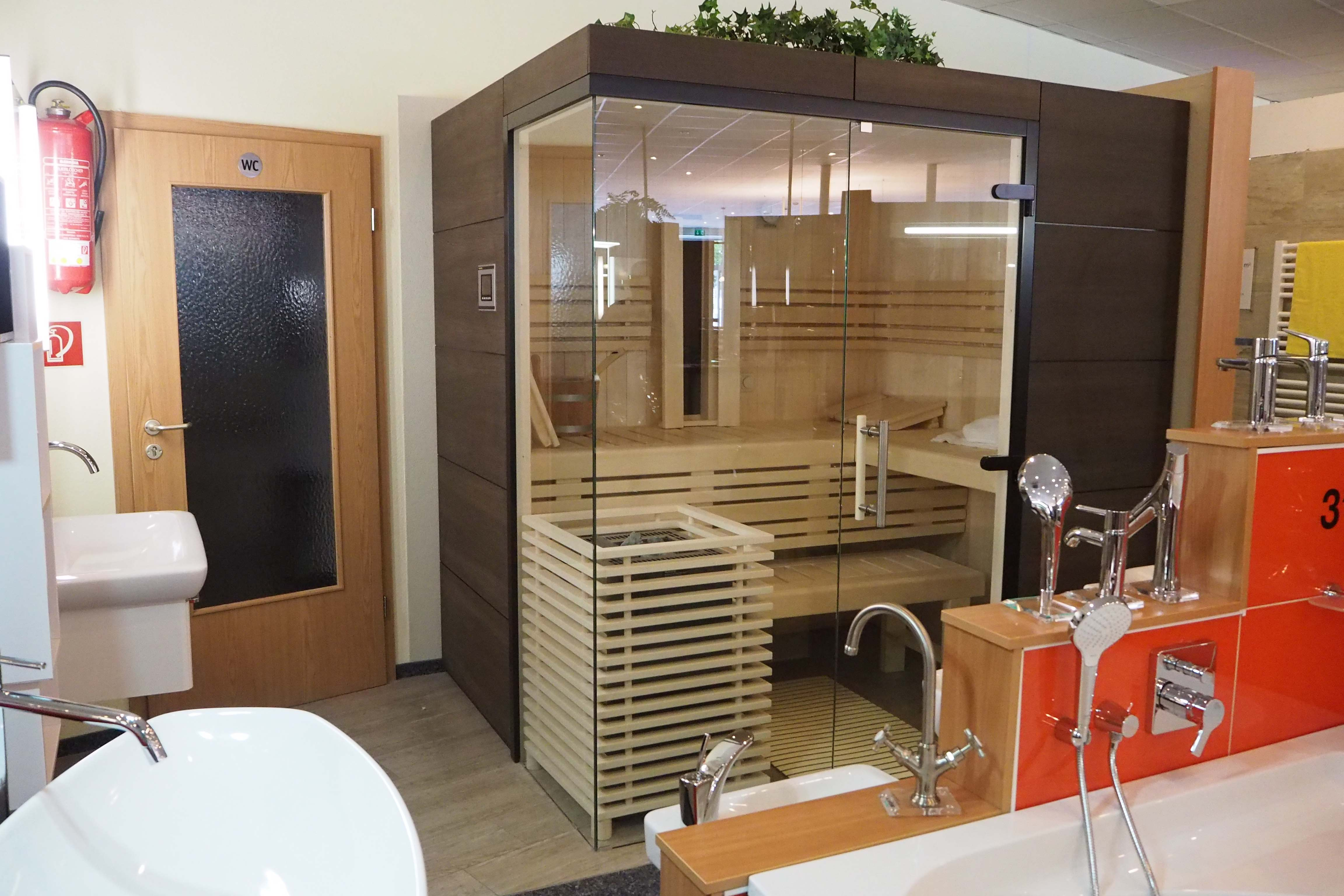 sauna abverkauf simple angebot komfort with sauna. Black Bedroom Furniture Sets. Home Design Ideas