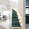 Treppe mit LED Handlauf